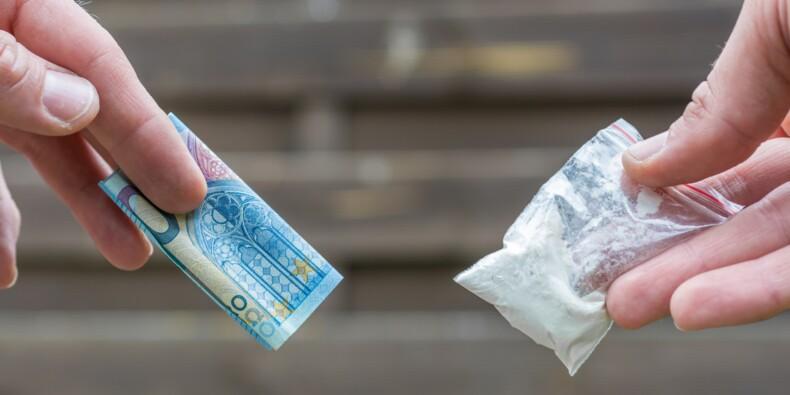 Marseille : les trafiquants de drogue affichent leurs tarifs sur un panneau comme au resto !