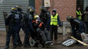 Une Gilet jaune poursuivie pour usage de son fauteuil roulant contre un CRS