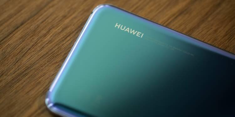 """Donald Trump """"sous-estime notre force"""", avertit Huawei"""