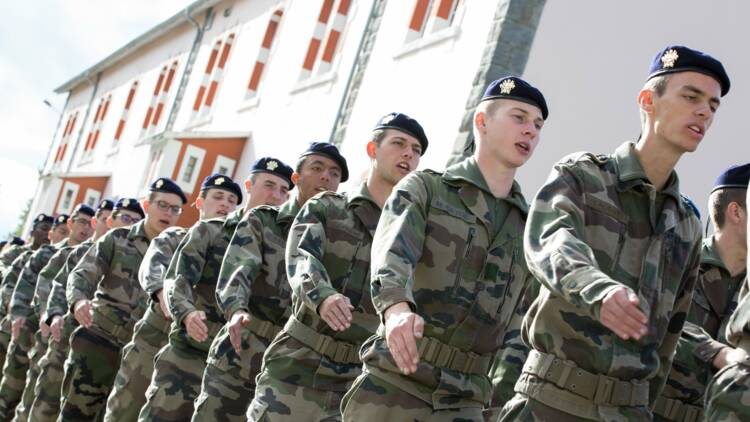 L'armée française manque de bras