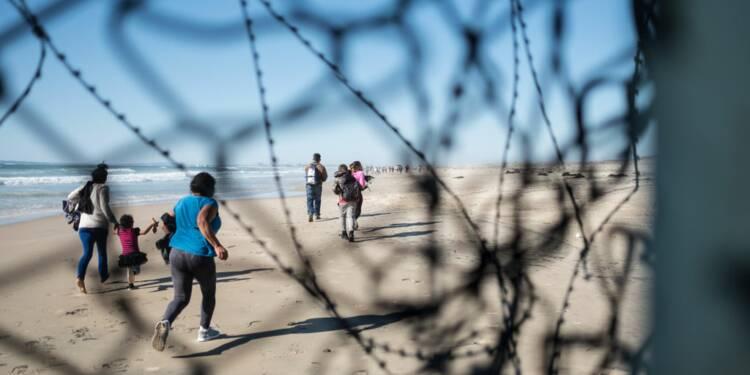 """Donald Trump va taxer les importations mexicaines """"jusqu'à que l'immigration illégale soit résolue"""""""