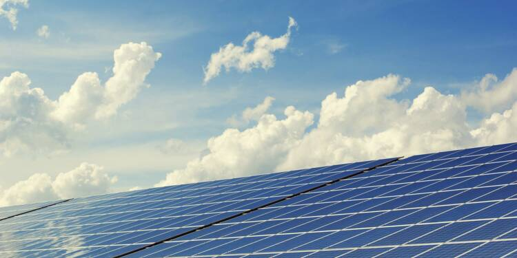 Comment Paris se met à l'énergie solaire