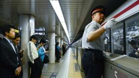 Tokyo : faire de son siège dans le métro un véritable business