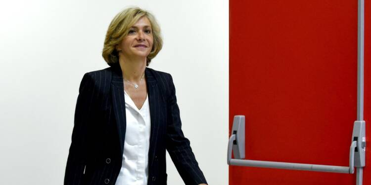 Après son départ des Républicains, Valérie Pécresse sauve l'unité de sa majorité régionale