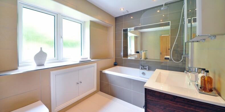 Descamps, Philips, Ghd... quelles sont les meilleures marques de la salle de bain ?