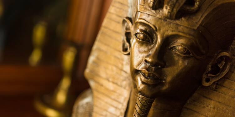 Londres : une tête de Toutankhamon s'envole aux enchères