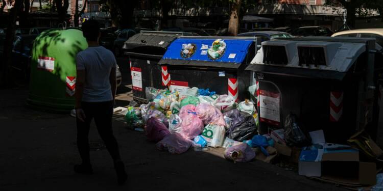 Croulant sous les ordures, Rome cherche à les exporter
