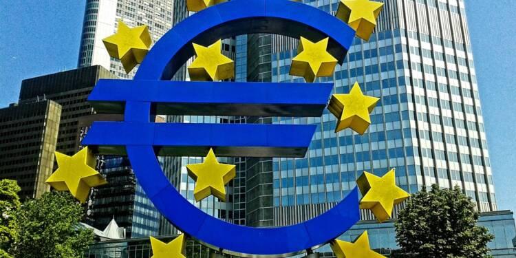"""Les taux d'intérêt resteront bas mais les perspectives de croissance sont """"de pire en pire"""", avertit la BCE"""