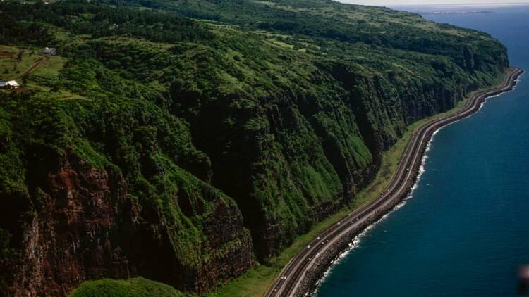 La route à 2 milliards d'euros de la Réunion sera-t-elle terminée un jour ?