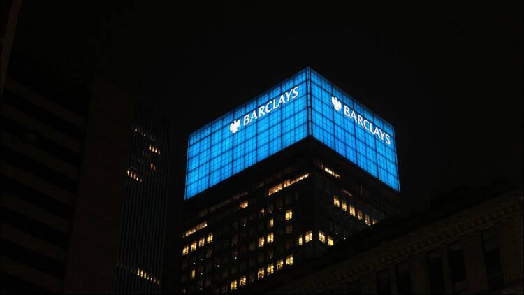 Royaume-Uni : cinq grandes banques internationales poursuivies en justice