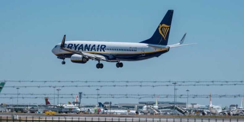 Le patron de Ryanair affirme avoir 900 salariés de trop