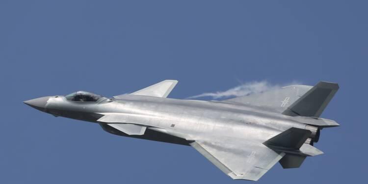 La Chine déploie ses avions furtifs J-20 à deux pas de Taïwan