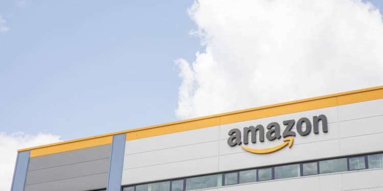 Taxe GAFA : la menace d'Amazon inquiète les petits vendeurs français