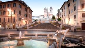 Vous asseoir sur une fontaine ou sur des escaliers peut vous coûter cher à Rome