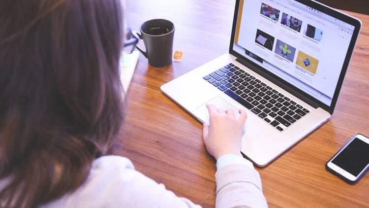 Qui sont les travailleurs du clic, petites mains du numérique ?