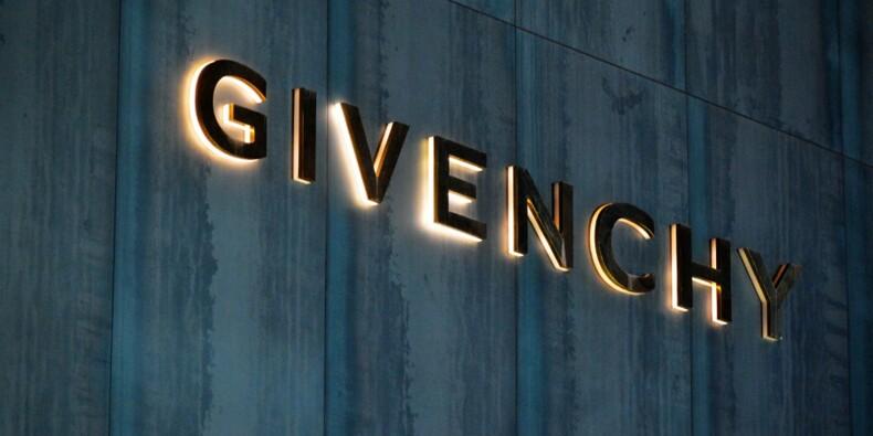 Givenchy, Versace et Coach forcées de s'excuser auprès de la Chine après des t-shirts polémiques