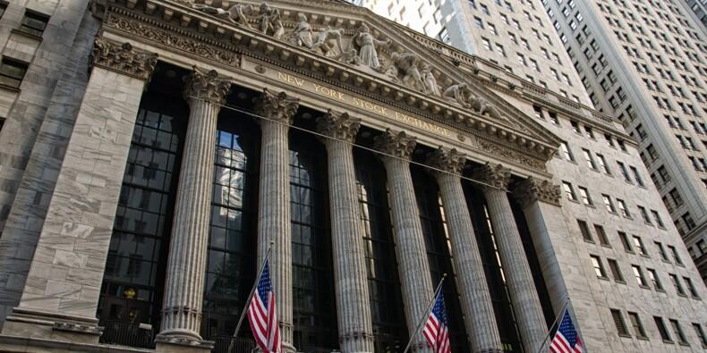 Le Dow Jones plonge après la baisse surprise du taux de la Banque centrale des Etats-Unis
