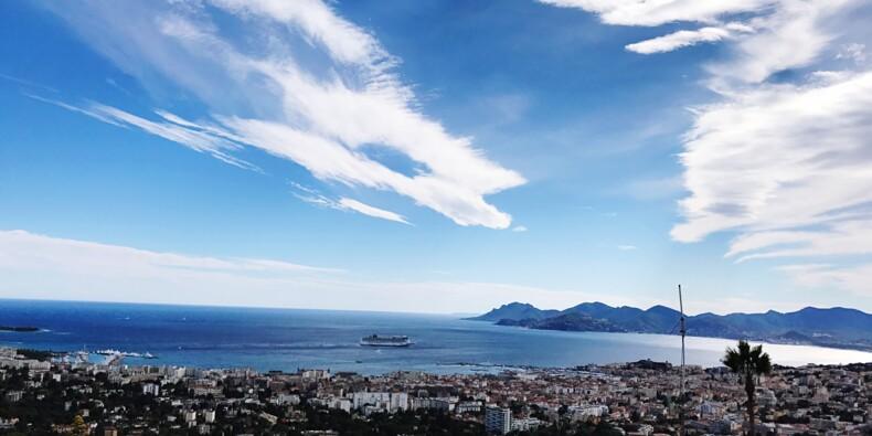 Côte d'Azur : une plage fermée à cause d'un incident de canalisation d'une luxueuse villa