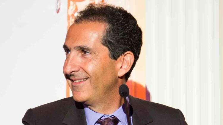 SFR : Patrick Drahi monte à 92% d'Altice Europe, qui sort de la Bourse
