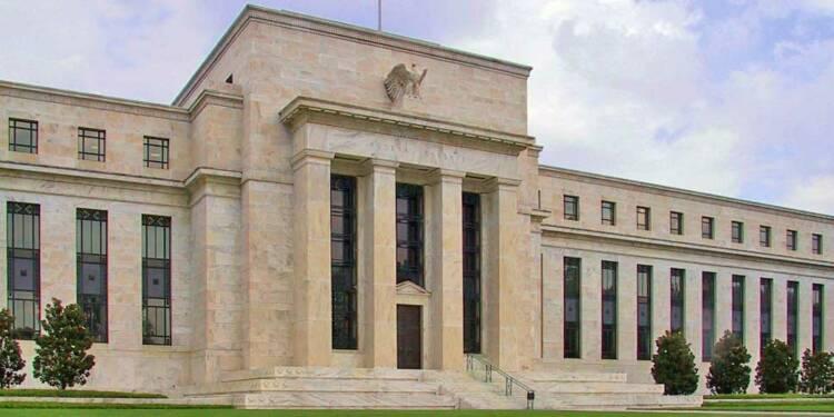 Face au risque de récession, la banque centrale des Etats-Unis abaisse son taux d'intérêt