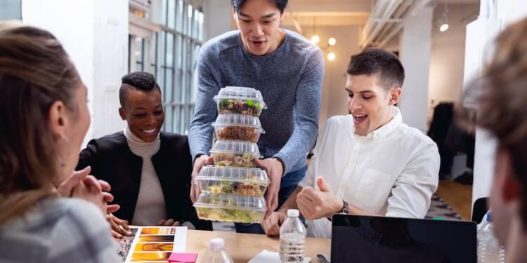 Que font les salariés français pendant leur pause déjeuner ?