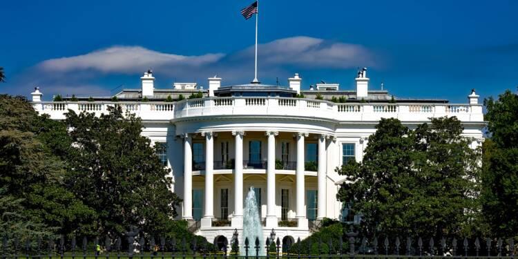 """Visé par une procédure de destitution, Donald Trump dénonce une """"chasse aux sorcières de caniveau"""""""
