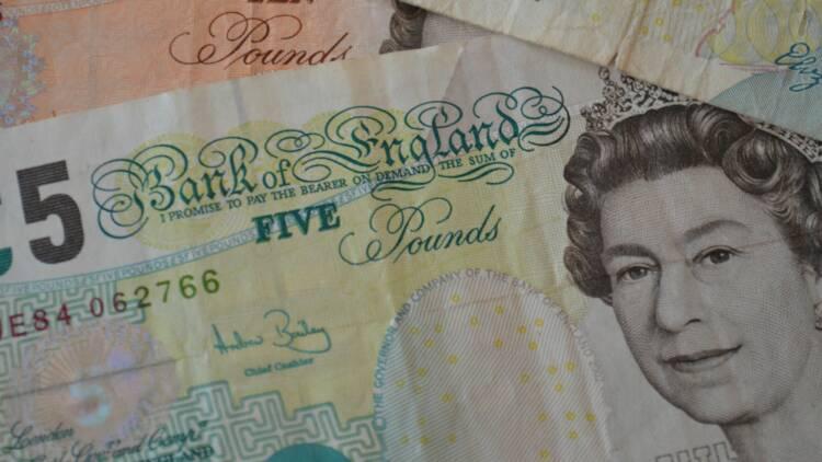 La livre Sterling plombée par la menace de nouvelles élections au Royaume-Uni