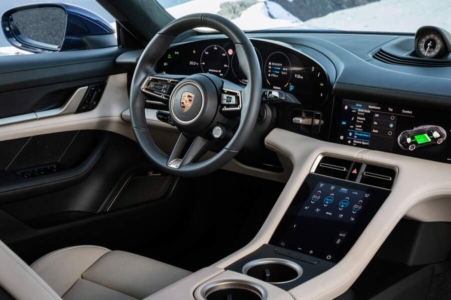 Bienvenue à bord de la Porsche Taycan