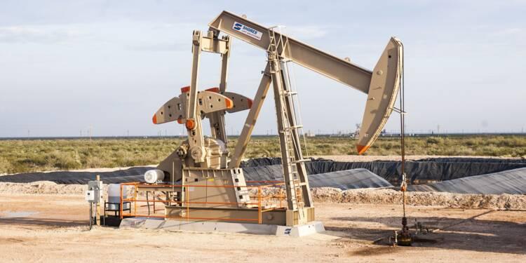 Le pétrole chute, la production de la Libye monte en puissance