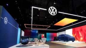 Volkswagen dévoile son nouveau logo au salon de Francfort