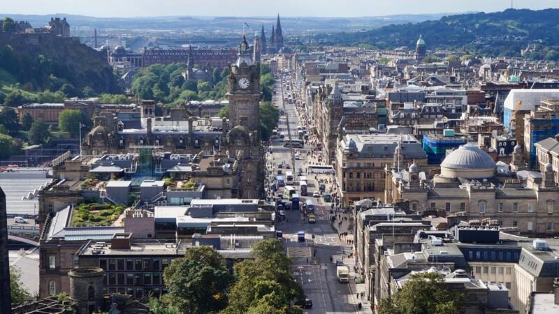La livre Sterling s'envole, un référendum sur l'indépendance de l'Ecosse jugé moins probable