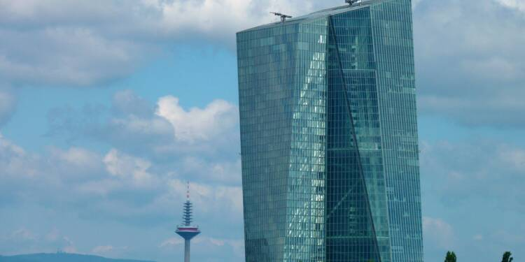 """Taux d'intérêt : """"La BCE risque de nous mener des paradis artificiels à un enfer bien réel"""""""