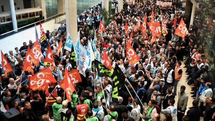 Régimes spéciaux de retraite : les Français soutiennent-ils la grève à la RATP ?