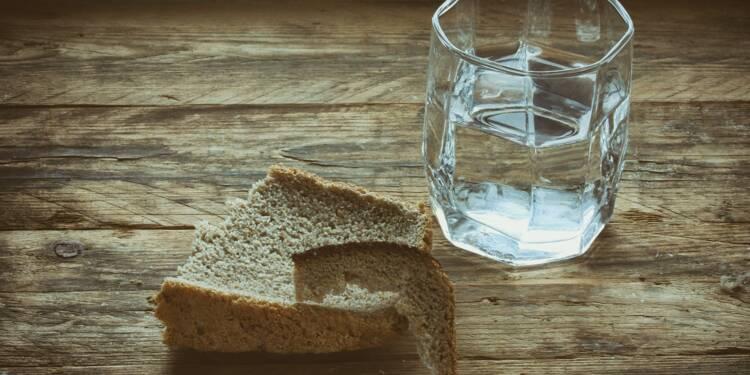 Du pain et de l'eau pour les deux enfants qui n'avaient pas payé la cantine