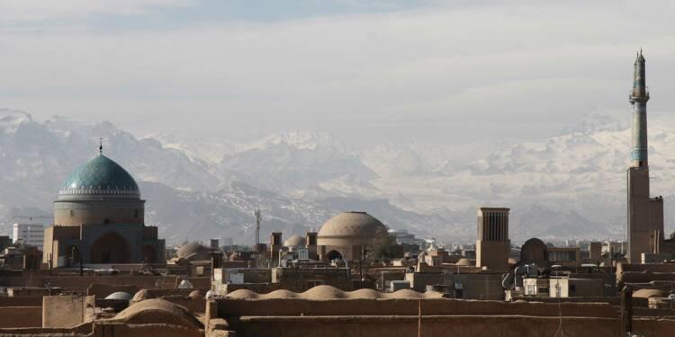 Un hélicoptère et deux navires de l'Iran ont pris le contrôle d'un pétrolier
