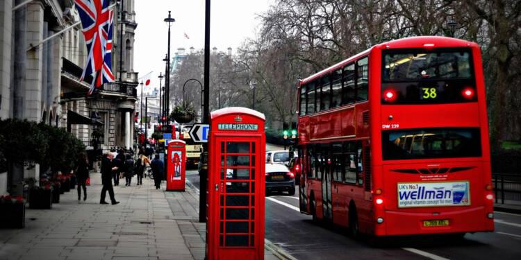 Royaume-Uni : le fabricant des bus rouges à deux étages fait faillite
