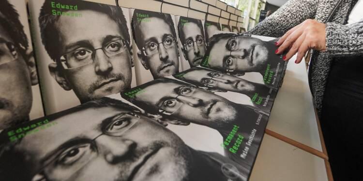 Snowden a-t-il commis des erreurs factuelles dans son autobiographie ?