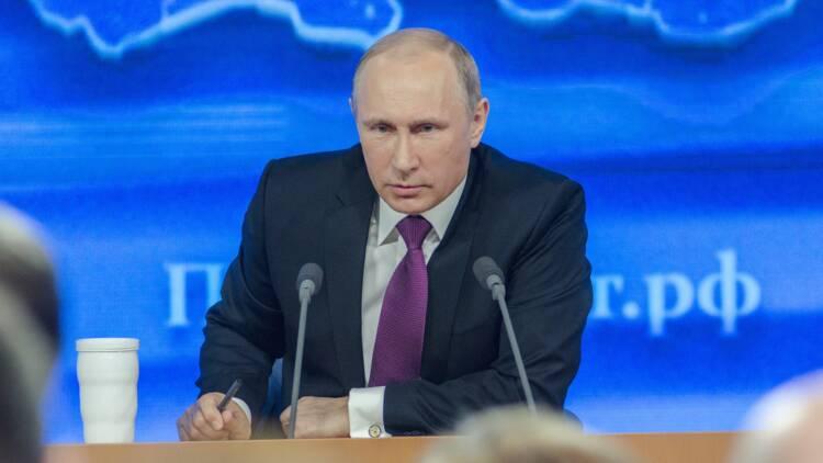 Vladimir Poutine cesse de fournir en pétrole la Biélorussie, coup dur pour l'économie