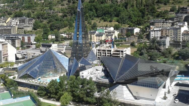 Alcool, tabac, tourisme… l'économie d'Andorre est asphyxiée
