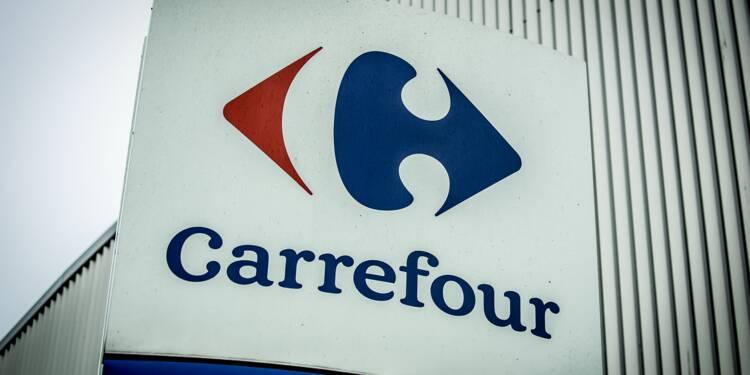 Carrefour accusé d'avoir touché des millions d'aides tout en supprimant des emplois