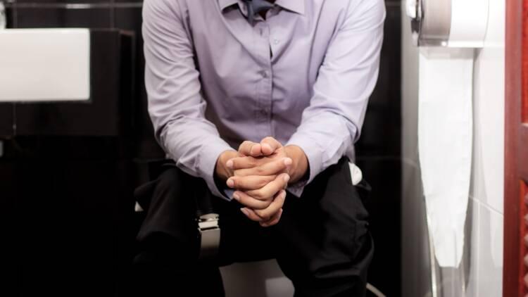 Pas de pub dans les toilettes : le dernier combat de François Ruffin