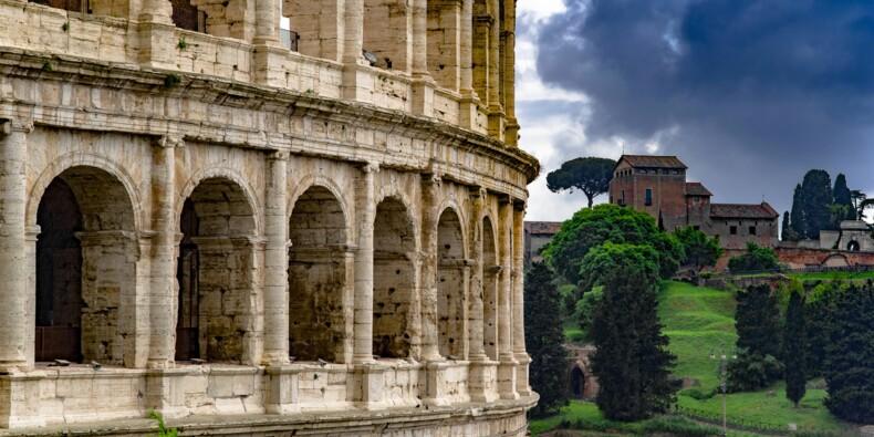 Effondrement de l'industrie de l'Italie, la mode et les transports très affectés
