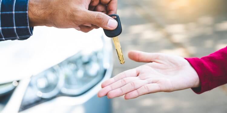 Arnaque : il gagne une fortune en vendant des voitures de location