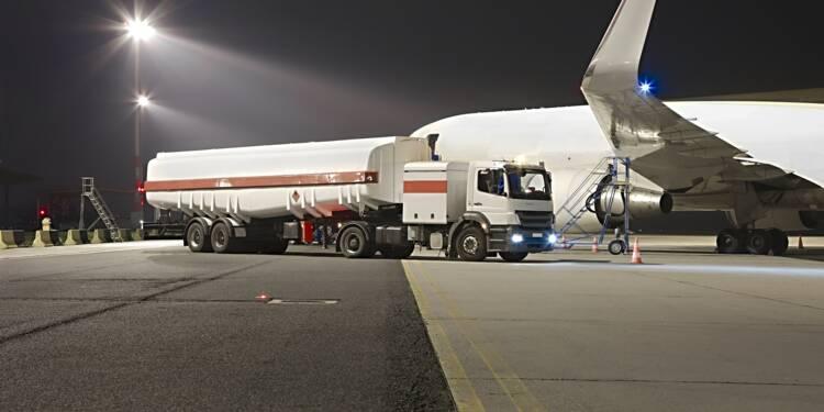 Pour économiser 40 euros, des compagnies aériennes surchargent leurs avions en carburant