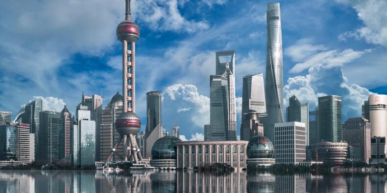 La Chine paralysée, la Bourse accuse sa plus lourde chute en 5 ans