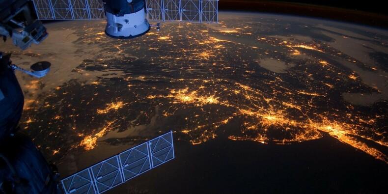 """C'est officiel, les États-Unis ont lancé leur """"force de l'Espace"""""""