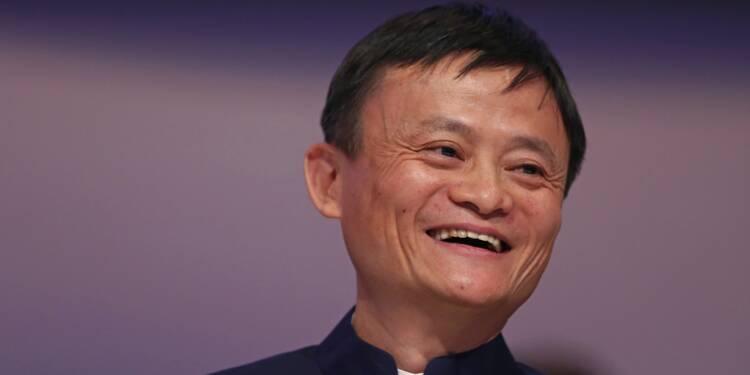 Alibaba s'envole pour ses débuts à la Bourse de Hong Kong
