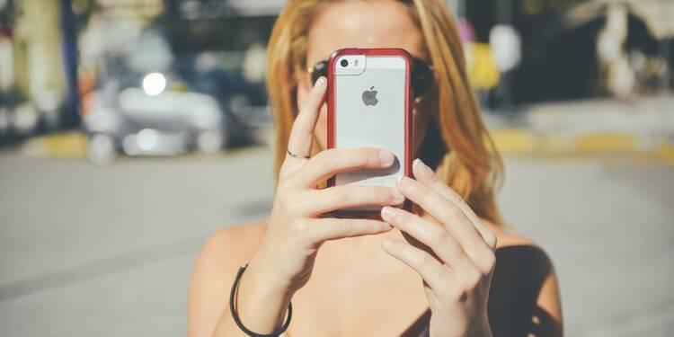 Apple grimpe en Bourse, bond de la production d'iPhone en vue