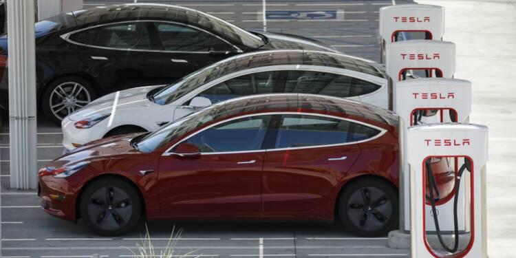 Aux États-Unis le casse-tête des bouchons pour recharger sa Tesla