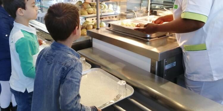 Un enfant ne mange pas de viande, il est exclu de la cantine